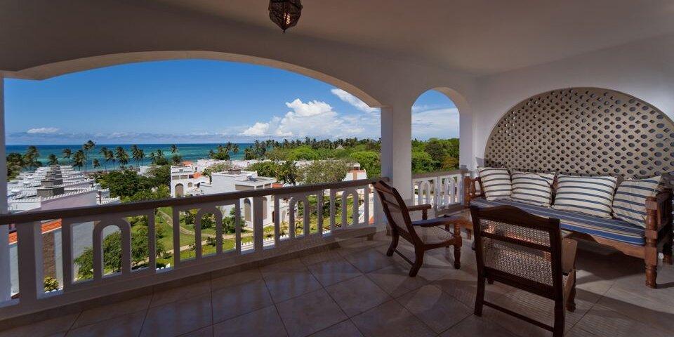 lantana-galu-beach-Apartment-Bungalow-Terrace